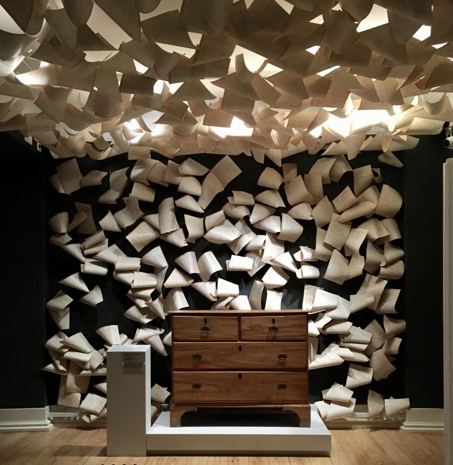 Cómoda de Fernando Pessoa em exposição na Casa Fernando Pessoa