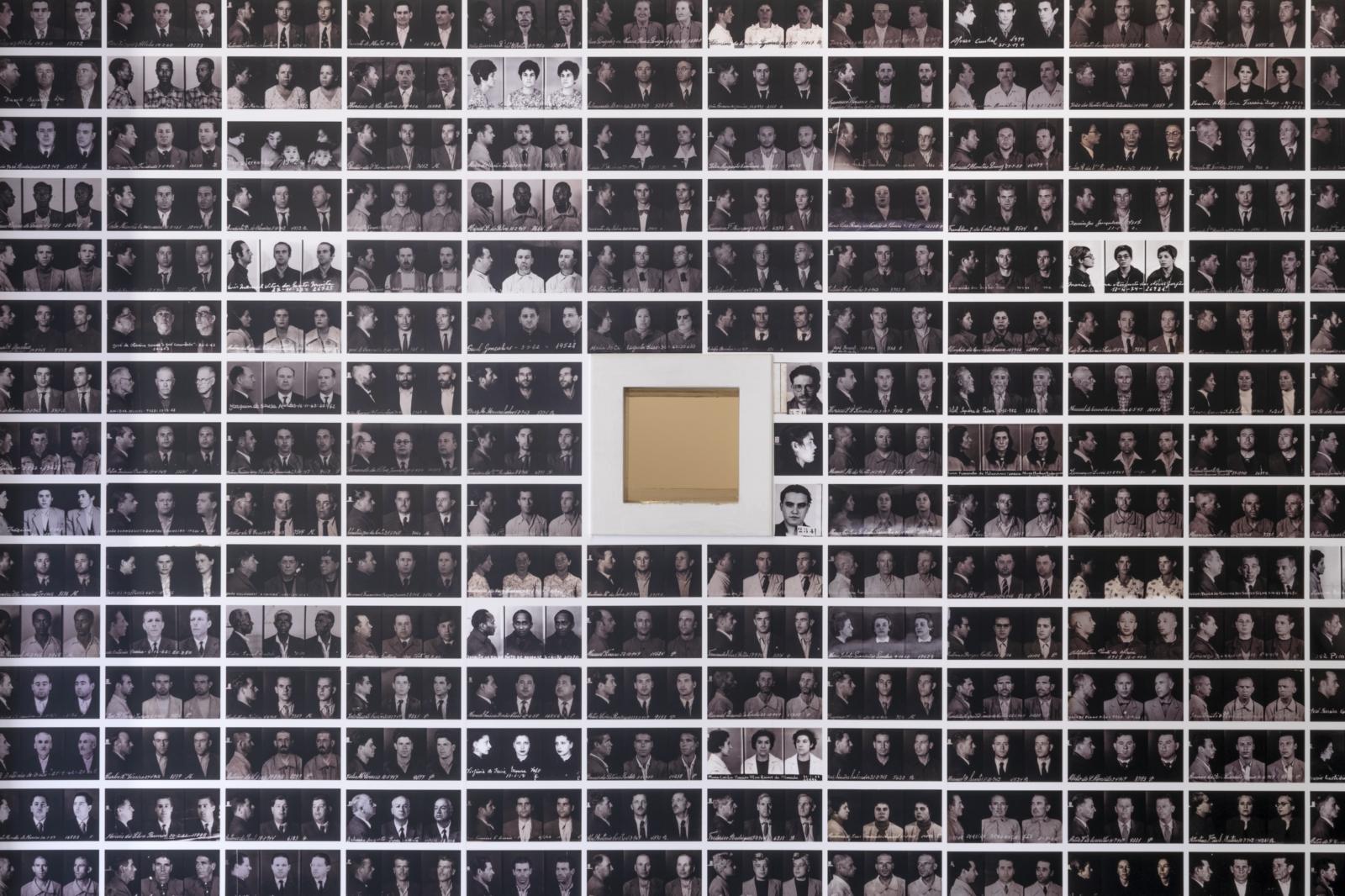 Diversas fotografias, em miniatura, dos presos políticos da PIDE