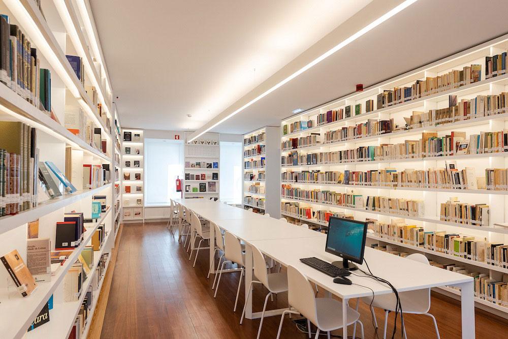 Biblioteca da Casa Fernando Pessoa
